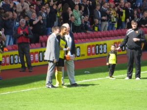 Deeney receives Player of the Season award from Oli Phillips