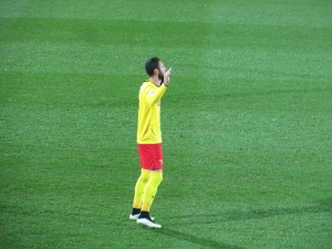 Layun's extensive pre-match prayer