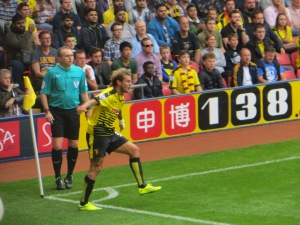 Diamanti takes a corner