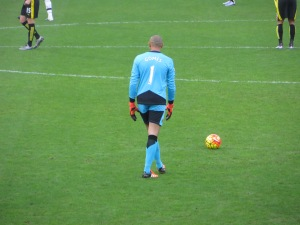 Gomes ready to launch the ball