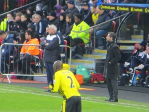 Flores and Ranieri in the dug outs