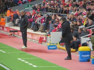 Klopp observing Mazzarri's instructions