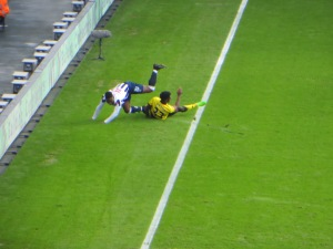 Mason and Onyedinma tangle