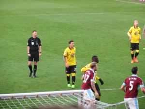 Zarate waits for a corner
